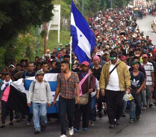 Honduran migrant caravan grows to 4,000 amid spike in U.S. border crossings