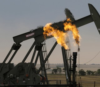 Oil prices plunge, marking sharp reversal from four-year highs just last month