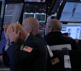 Dow drops 400 points following its worst week in a decade