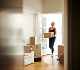 Single women own more homes than single men. Here's what they're doing differently.