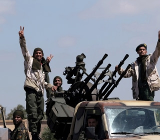 U.S. pulls troops as fighting engulfs Libya