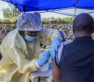 Ebola spread to east Congo's Goma massively raises risk