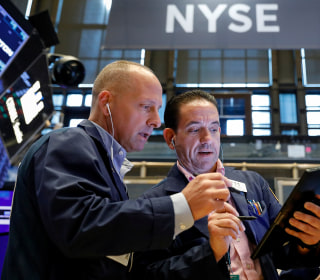 Dow drops 315 points on trade war fears, uncertainty about Fed's next move