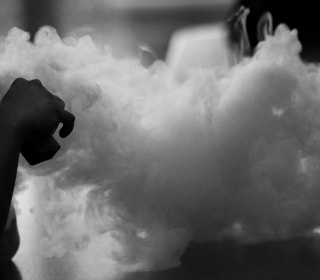 Illinois resident suffering breathing issues after vaping dies