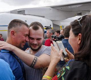 Russia and Ukraine complete prisoner swap, raising hopes for eased tensions