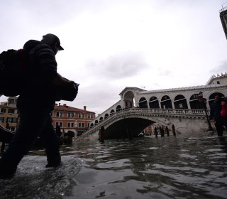 Venice fears exodus of residents after latest flood