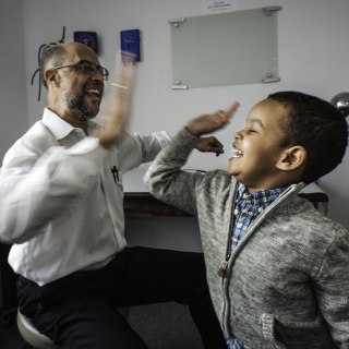 This Doctor Makes Kids Laugh While Giving Them Shots