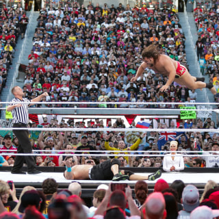 76,000 Fans Pack Out WrestleMania 31