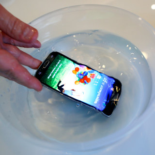 How to Save a Wet Phone — or Try to — in 5 Easy Steps