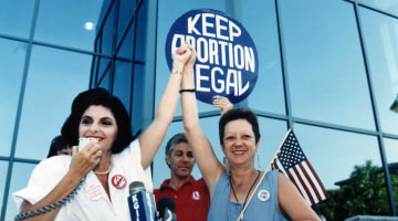 Norma McCorvey, Who Was at Center of Roe v. Wade Abortion Rights Case, Dies at 69