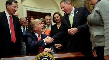 Trump Signs Executive Order to Begin Water Rule Rollback