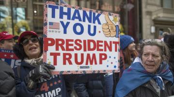 NBC/WSJ Poll: It's Trump's Base Against Everyone Else