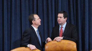 Schiff Calls on GOP Intel Chair Nunes to Recuse Himself From Russia Probe