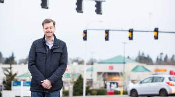Oregon Man Claims State Muzzles Red Light Camera Critique