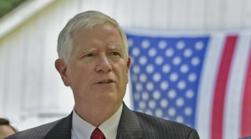 Rep. Mo Brooks Uses Sounds of Scalise Shooting in Campaign Ad