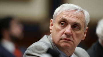 Judge Alex Kozinski steps down after accusations of sexual misconduct