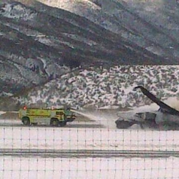 Image: A plane crashed at an airport is Aspen, Colo.