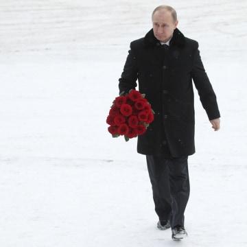 Image: Russian President Putin Visits Nevsky Pyatachok Memorial