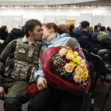 Image: Kiev: EuroMaidan protester's daily life on the barricades