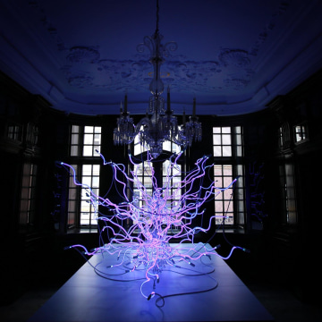 Image: Dale Chihuly's 'Sapphire Neon Tumbleweeds' is displayed at the Halcyon Gallery on Feb. 4 in London.