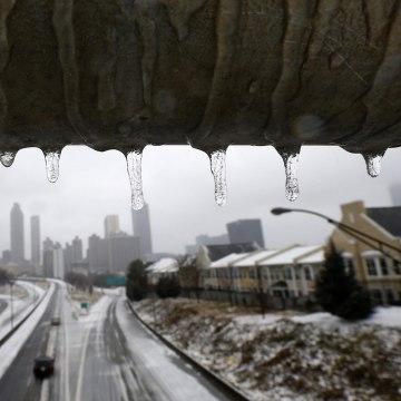 Image: Winter storm strikes metro Atlanta