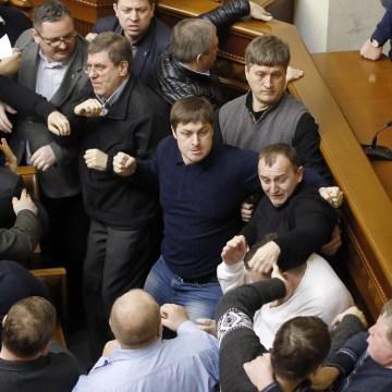 Image: Ukrainian lawmakers clash during a Parliament session in Kiev