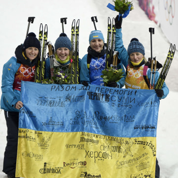 Image: OLY-2014-BIATHLON-WOMEN-PODIUM
