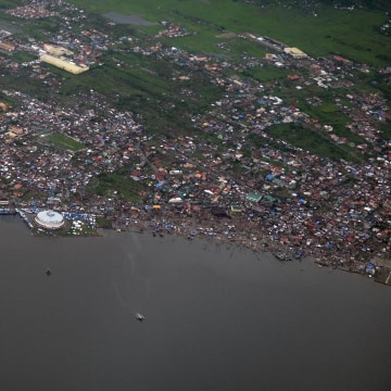 Image: The typhoon aftermath in Tacloban