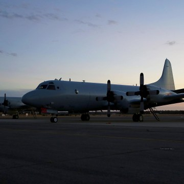 Image: Search Continues For Possible Malaysian Airliner Debris Found In Indian Ocean