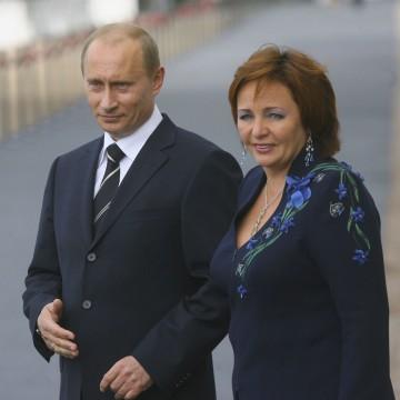 Image: (FILE) Vladimir Putin Officially Divorced St Petersburg G8 Summit 2006 - Day 1