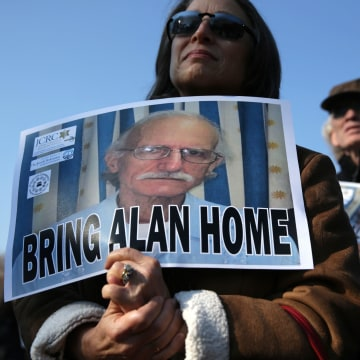 Image: Vigil Held At White House To Call For Release Of American Imprisoned In Cuba