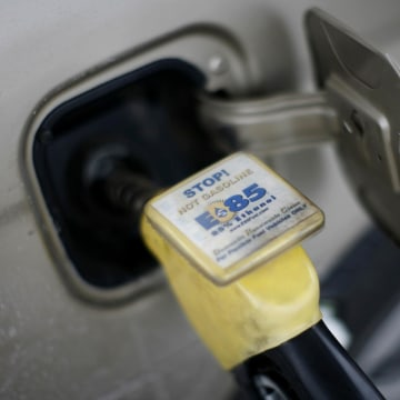 Image: Ethanol biodiesel fuel being pumped into a vehicle
