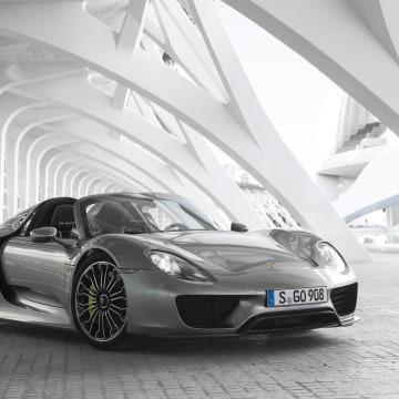 IMAGE: Porsche 918 Spyder