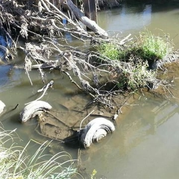 IMAGE: Submerged car found in South Dakota creek