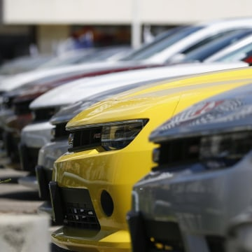 General Motors says it will seek court protection to prevent lawsuits against it before 2009 when it filed for bankruptcy