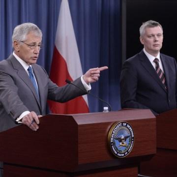 Image: US Secretary of Defense Chuck Hagel and Defense Minister of Poland Tomasz Siemoniak