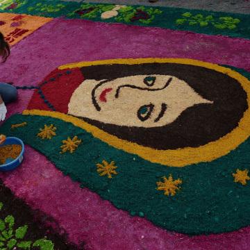 Image: GUATEMALA-RELIGION-HOLY WEEK-GUINNESS-CARPET