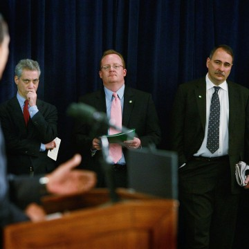 Image: Barack Obama, Rahm Emanuel, Robert Gibbs, David Axelrod in 2008