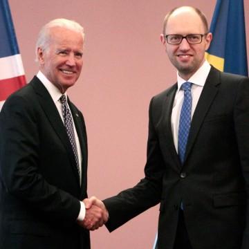 Image: Joe Biden meets Arseniy Yatsenyuk