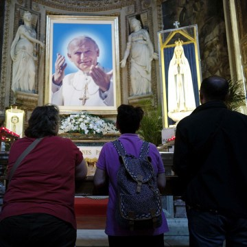 Image: ITALY-VATICAN- RELIGION-CANONISATION-POPE