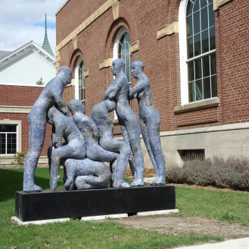 """Image: The sculpture """"Blue Human Condition"""""""