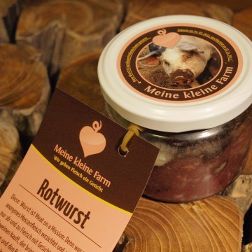 Image: German farm 'Meine kleine' is selling pork and beef products with labels featuring pre-slaughter photographs of the animals.