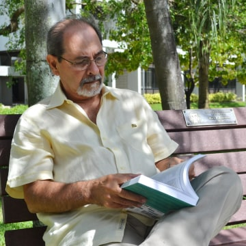 Image: Dr. Henry Briceño, a geologist and professor at Florida International University's Southeast Environmental Research Center
