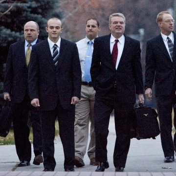 Image: Former Blackwater guards arrive at federal court in in 2008