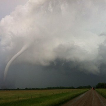 Image: Tornado passes near Woonsocket, S.D.