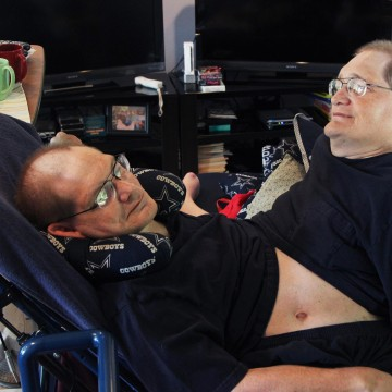 Image: Donnie, left, and Ronnie Galyon sit inside their Beavercreek, Ohio