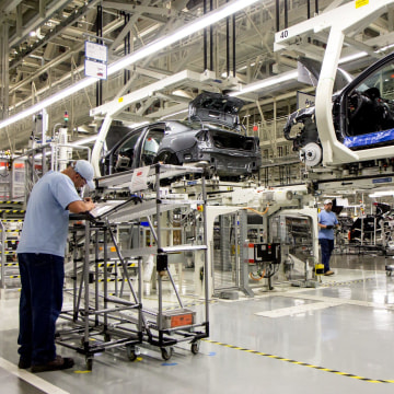 Volkswagen says it will build an SUV at its Chattanooga, Tennessee plant where it currently builds the Passat sedan.