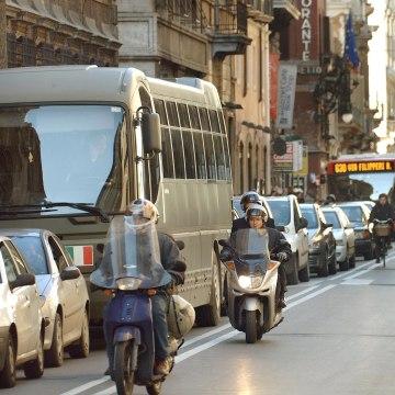 Image: Traffic in Via del Corso in Rome, Italy, Jan. 2005.