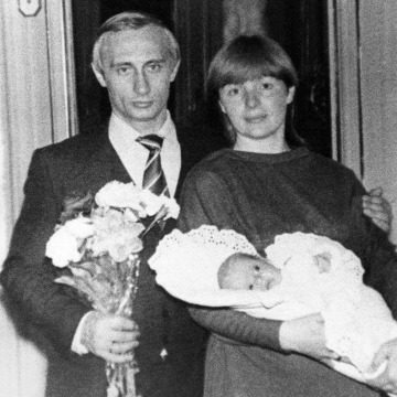 Image: Vladimir Putin with his wife lyudmila and daughter katya, spring 1985