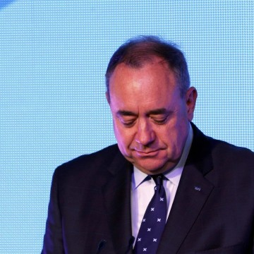 Image: Scotland's First Minister Alex Salmond concedes defeat early Friday